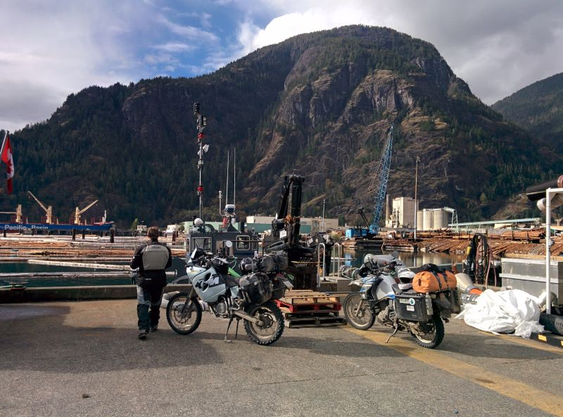 Bikes on the dock by the Gold River aerodrome (float planes). Click for pano.